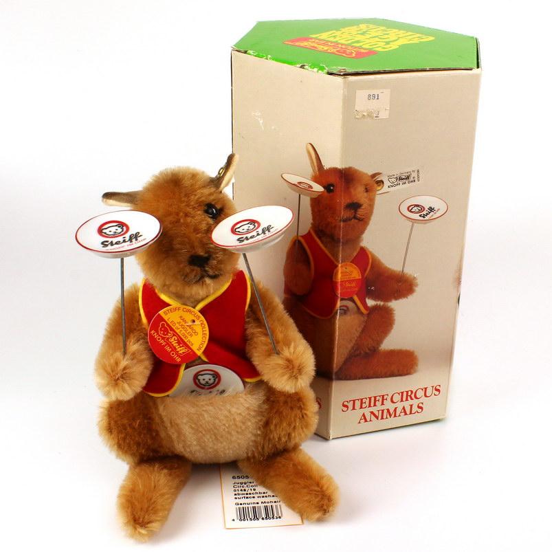 STEIFF - Golden Age Of Circus - Animals - Juggler Kangaroo (650536)
